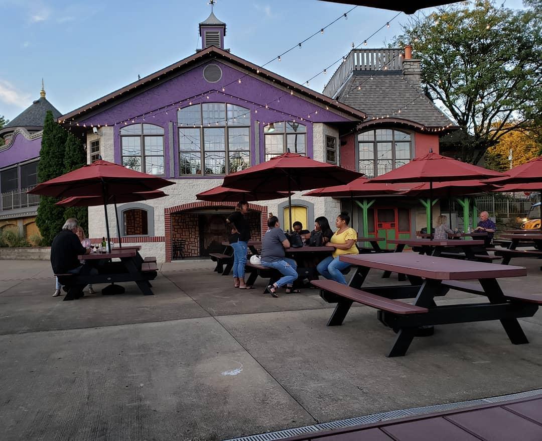 breitenbach winery patio