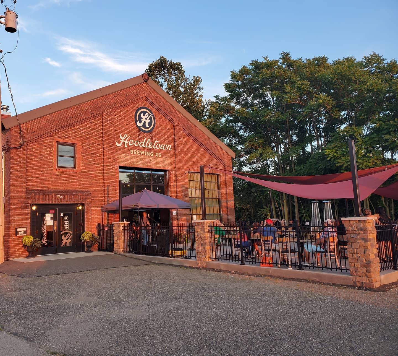hoodletown brewery exterior